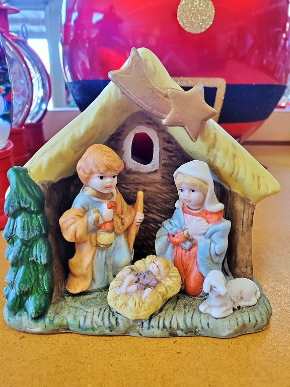 VINTAGE NATIVITY MADE FROM RESIN